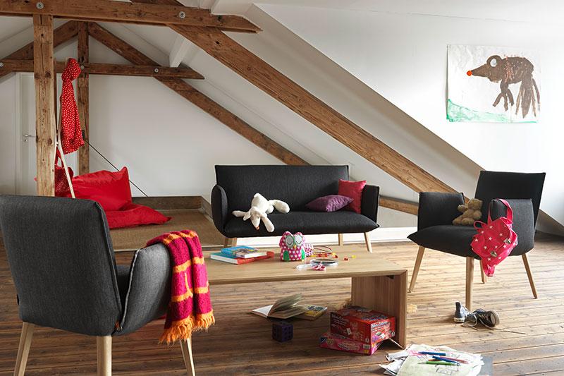 Love seat, version mini ou deux places, le petit canapé est tendance !